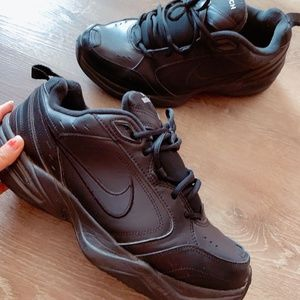 Air Nike men shoes size 12.5W like NEW